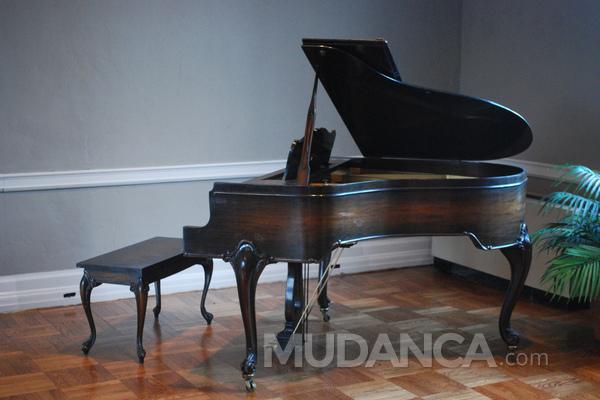 Você sabe como é feito o transporte de pianos?