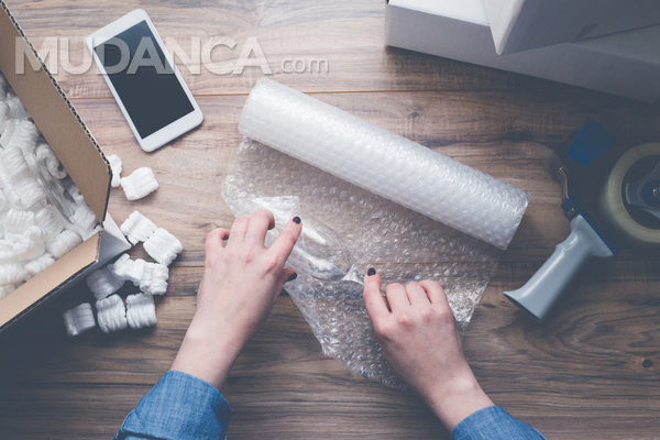 Como embalar cristais para uma mudança?