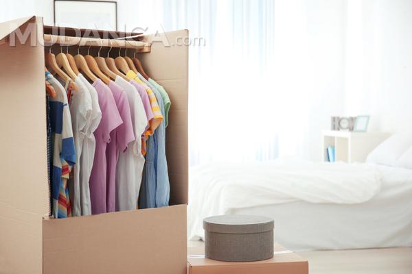 Passo a passo para embalar sua roupa para mudança